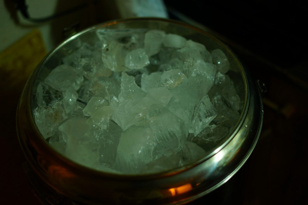 家庭用冷凍庫 大量の氷 作る 方法 タッパー 倍速凍結氷点下パック ジャグ キャンプ