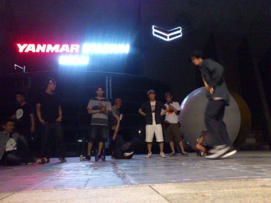 大阪で外のダンス練習場所のおすすめ 早朝も午前中も夜中も無料で使える 長居公園