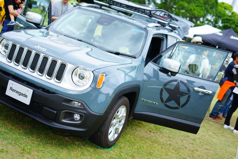 OUTDOOR PARK 2019 万博記念公園 jeep renegade