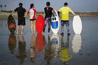磯ノ浦 スキムボード skimboard 初心者 体験 子供 女性 skimgirl surfgirl セッション